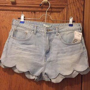 H&M Scallop Edged Denim Shorts